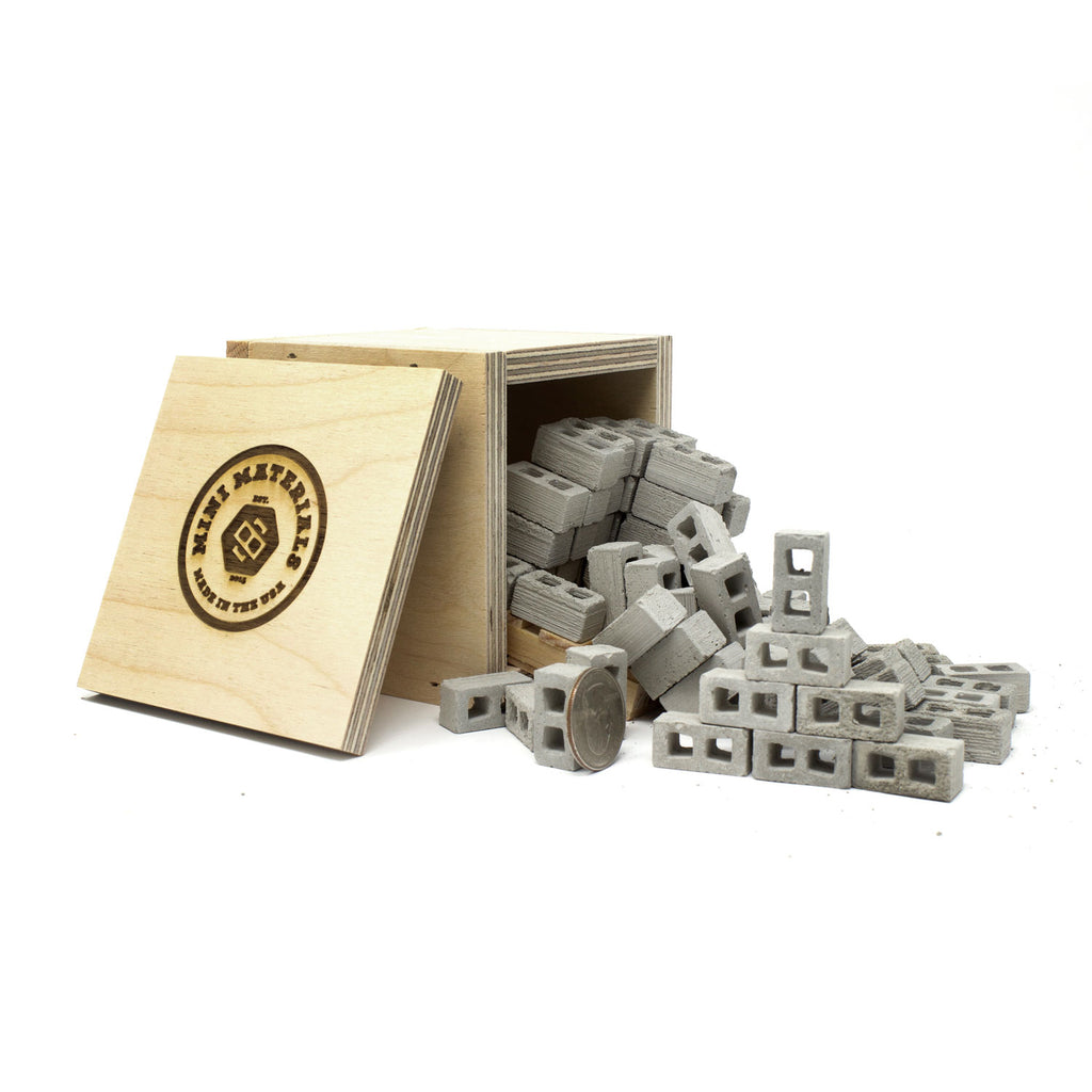 1:18 Scale Mini Cinder Blocks (72pk + Pallet) in Shipping Crate