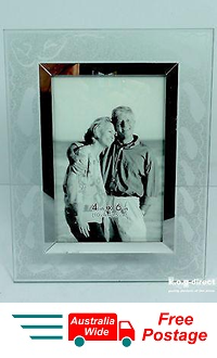 PHOTO FRAME FROSTED GLASS FOOTPRINTS IN SAND HOLDS 4 X 6 PHOTO
