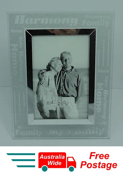 PHOTO FRAME FROSTED GLASS MY FAMILY HOLDS 4 X 6 PHOTO