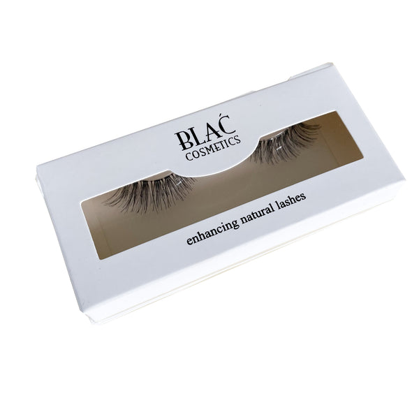 Enhancing Natural Lashes