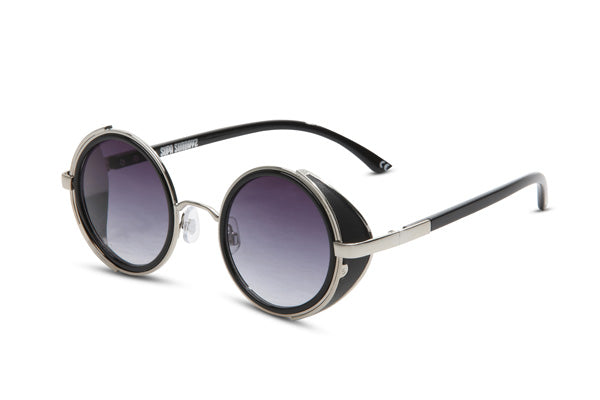 Round framed sunglasses at LVBT