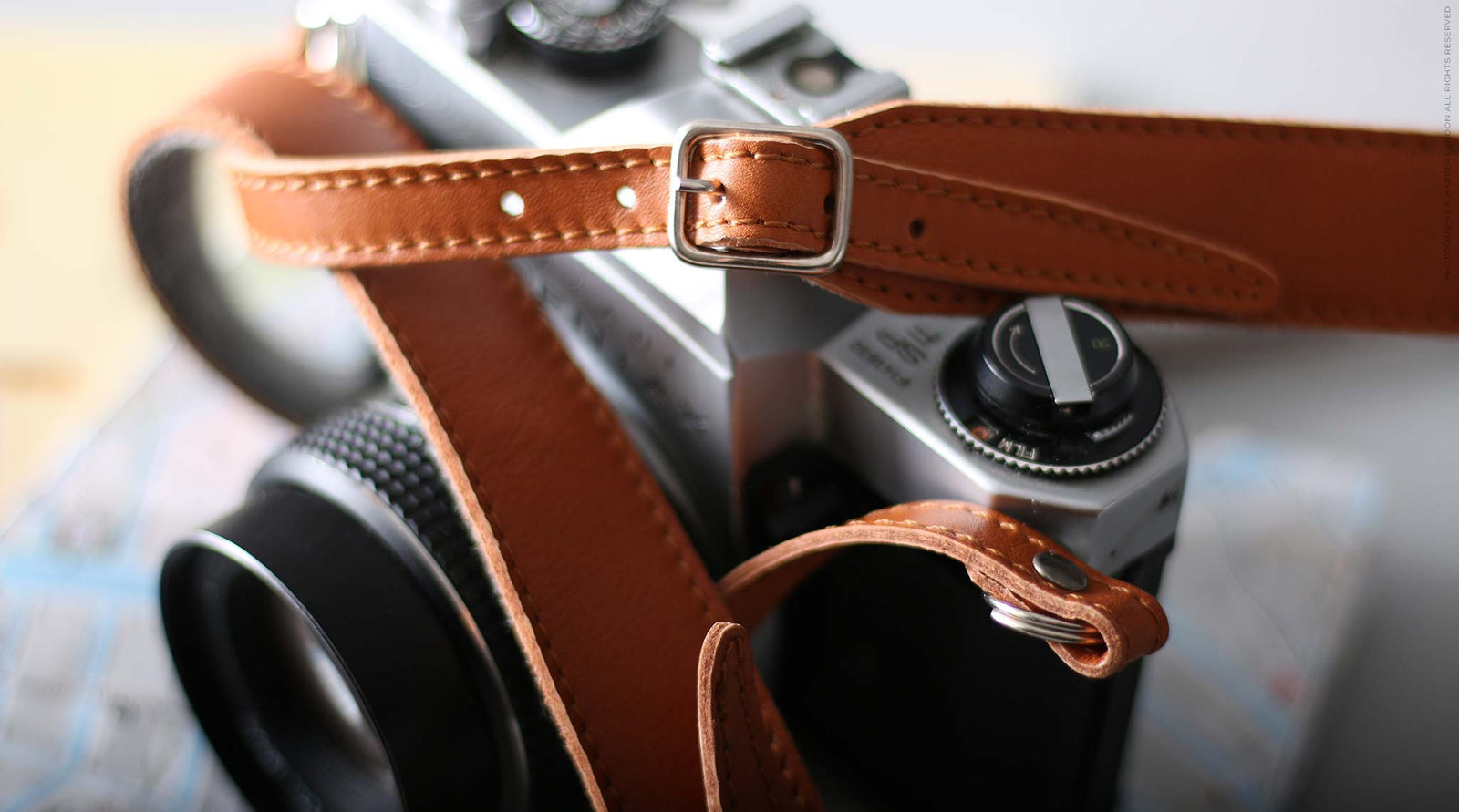 Adjustable Leather & Felt Camera Strap for DSLR Cameras, Nikon, Leica, Pentax, SLR. Harber London. DSLR Camera strap