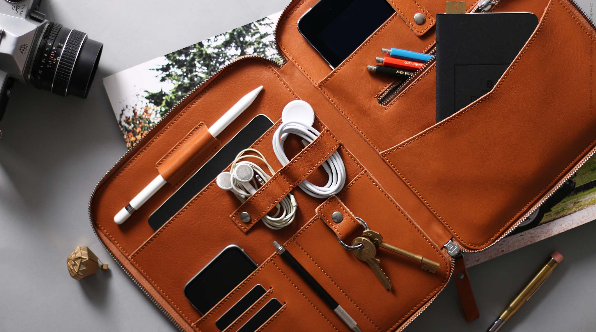 leather travel organiser