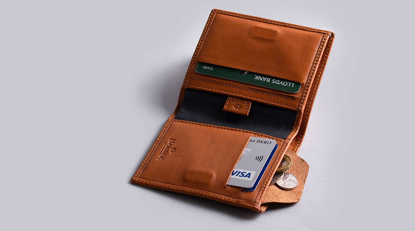 slim wallet design