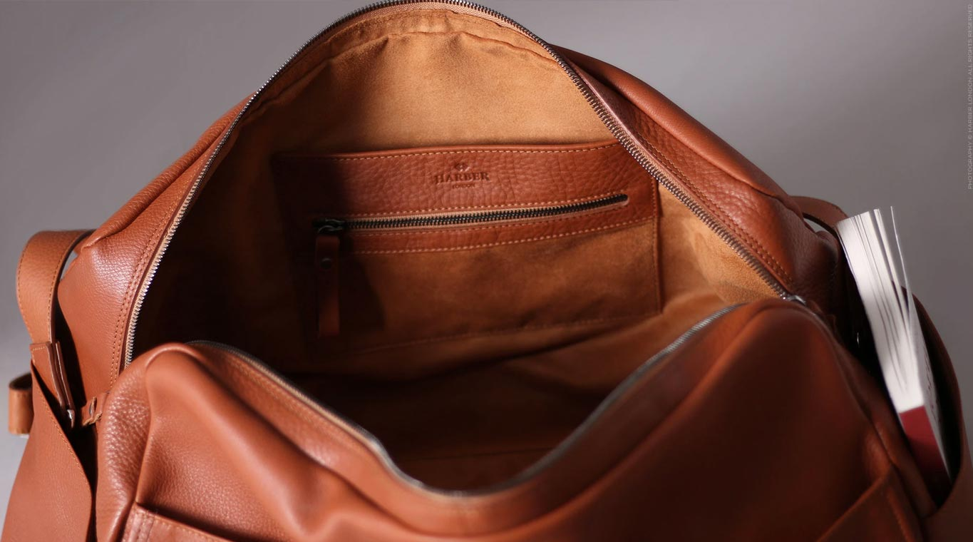 Men leather weekend bag