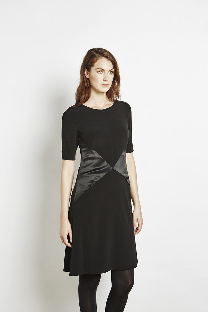 Ada - Swing dress Shiny Contrast