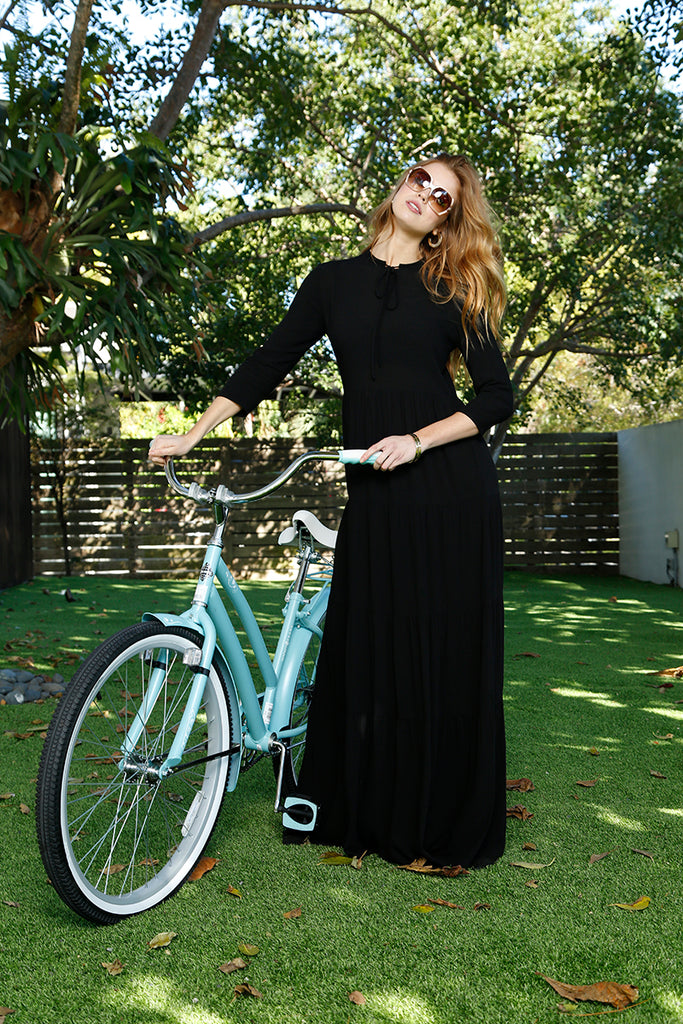 FLOWY TIERED MAXI-BLACK