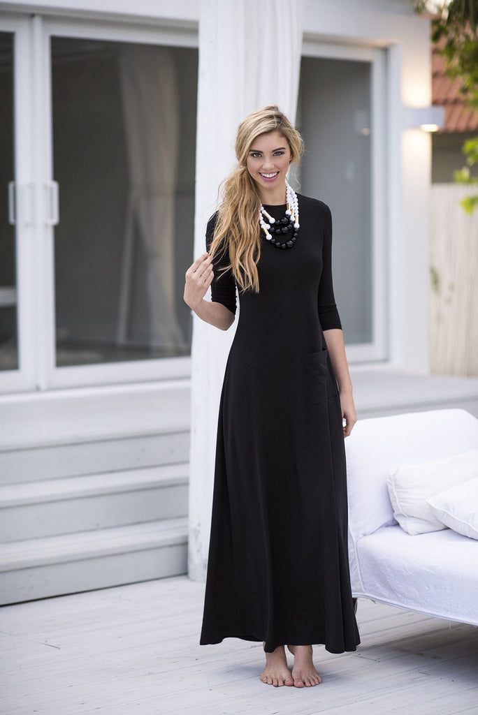 Crooked Pocket Maxi Dress- Black