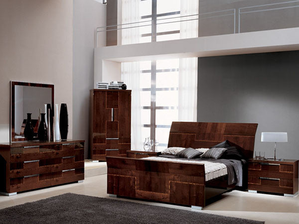 Beds, Venice Four Piece Queen Bedroom Set : Huffman Koos Furniture