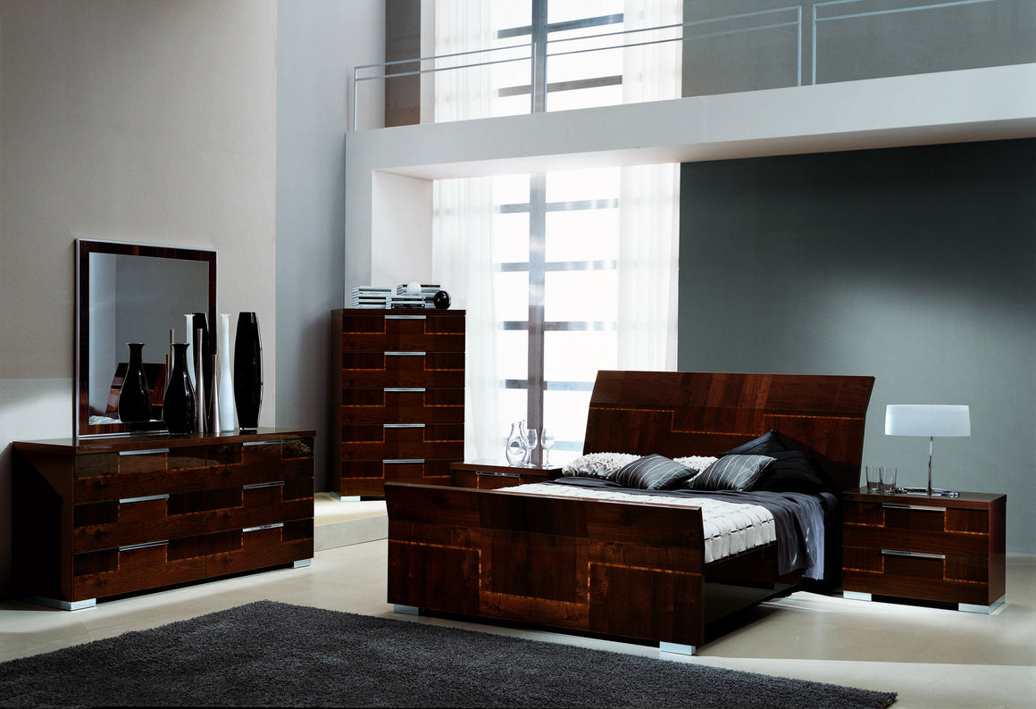 Beds, Venice Chest : Huffman Koos Furniture