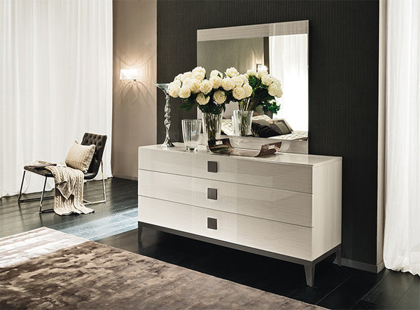 Vega Mirror - Huffman Koos Furniture