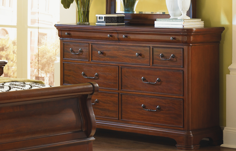Dressers, Villa grand Dresser : Huffman Koos Furniture