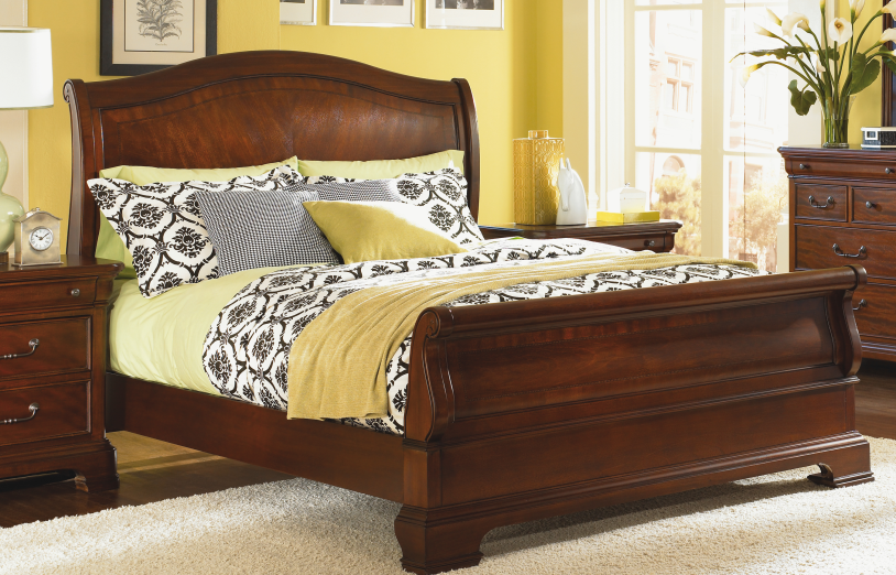 Beds, Villa Grand Queen bed : Huffman Koos Furniture