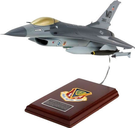 Desktop USAF SE/F-16C Falcon 1/32 Scale Mahogany Model