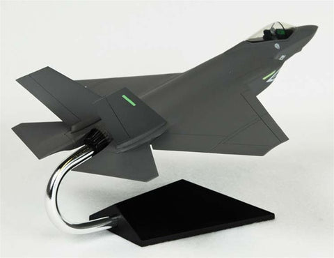 Lockheed Martin F-35C JSF/CV USN 1/72 Scale  Model