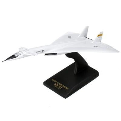 North American Aviation XB-70 Valkyrie 1/150 Scale Mahogany Model
