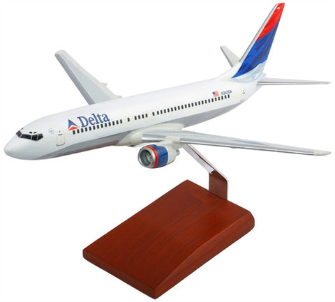 Desktop Boeing 737-800 Delta 1/100 Scale Model