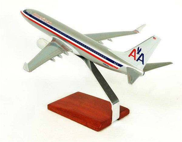 Desktop Boeing 737-800 American 1/100 Scale Model