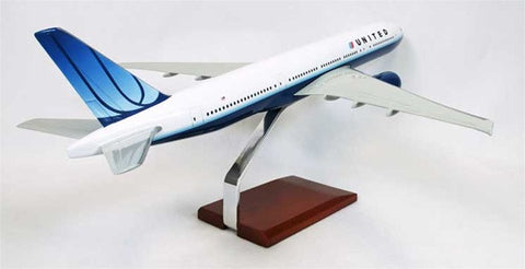 Boeing 777-200 United 1/100 Scale Model