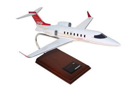 Bombardier Learjet 75 1/35 Scale Model