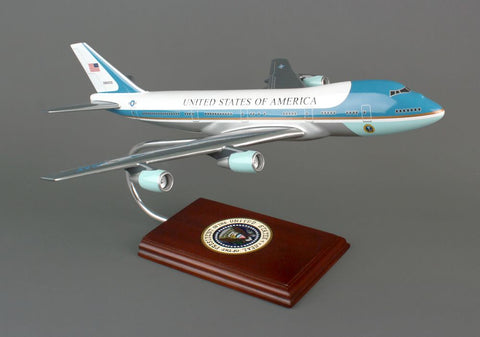 "Boeing VC-25 747 ""Air Force One"" 1/144 Scale Mahogany Model"