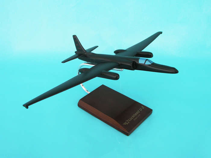 U-2 Dragon Lady Desktop Model Airplane in 1:72 Scale
