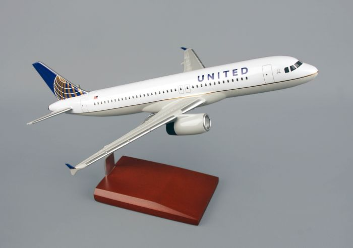 United Airbus A320 Model 1/100 Scale