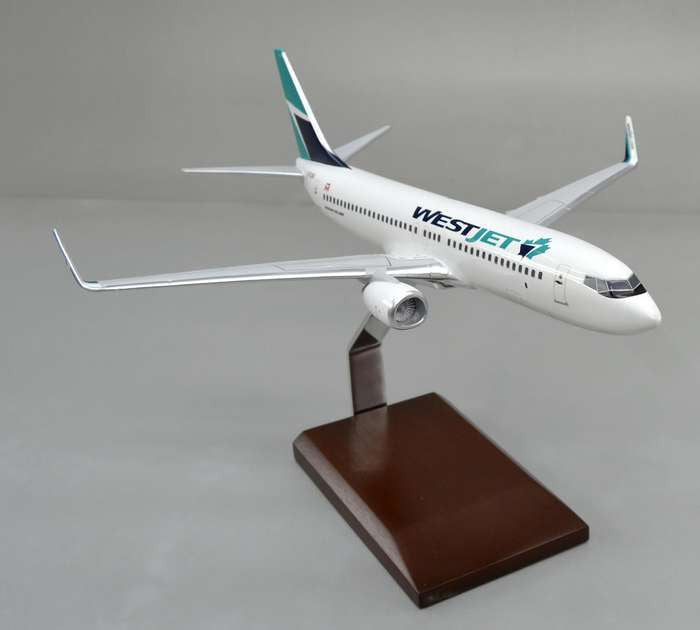 West Jet Boeing 737-800 1/100 New Livery