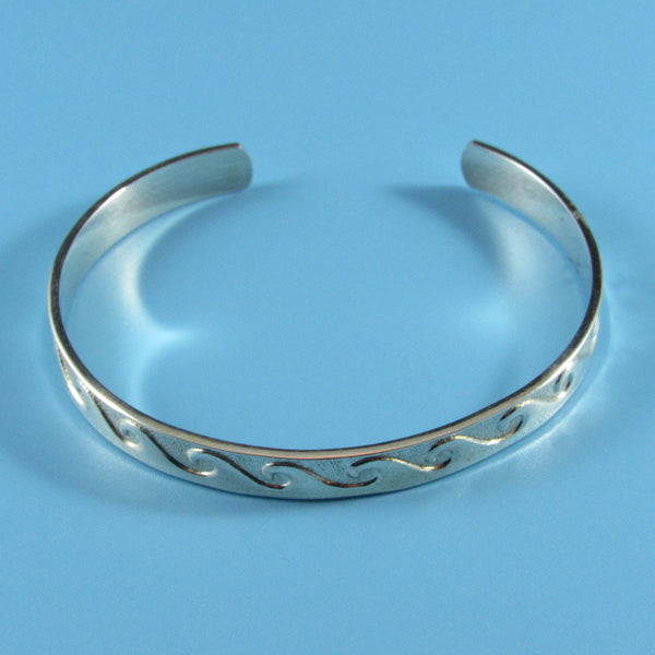 4337 - Sterling Wave Pattern Cuff