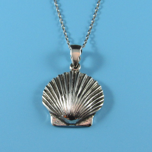 4539 - Shell Pendant on Sterling Chain - 18
