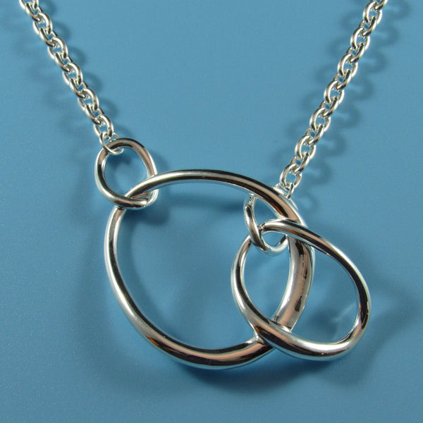 4546 - Interlocking Ovals Necklace - 18