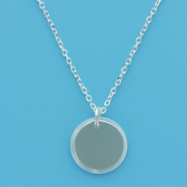 4573-MoP with Engraveable Silver Circle Necklace