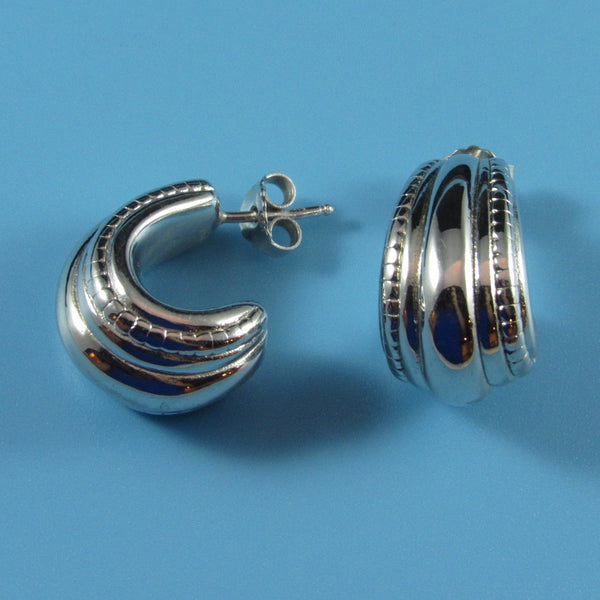 6610 - Beautiful Ridged and Beaded Edge 3/4 Hoop Earring