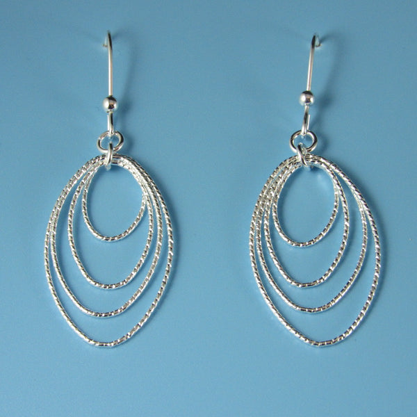 6640 - Sparkly Fun Graduated Diamond Cut Oval Drop Earrings