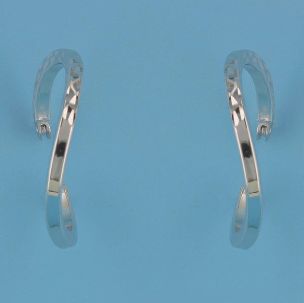 6660-Wavy Diamond Cut Hoop Earrings