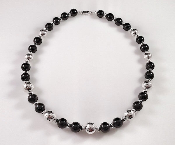 8008 - Black Onyx and Hammered Beads Necklace