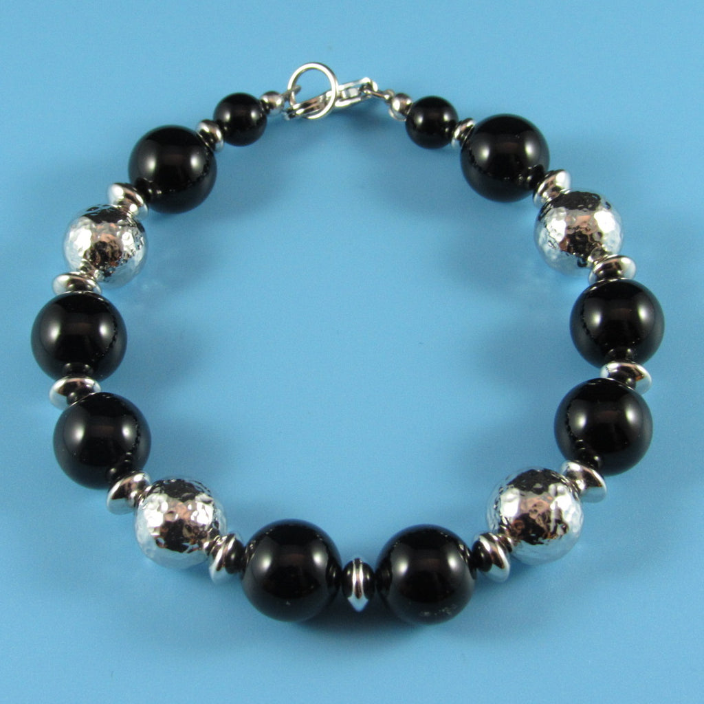 8009 - Black Onyx and Hammered Beads Bracelet