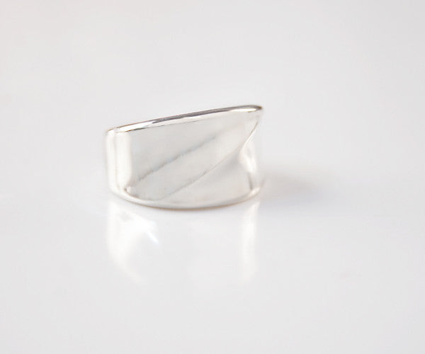 R06 - Sterling Ring with Crossing Bands