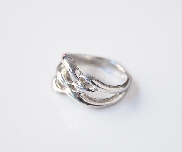 R32 - Sterling Ring Open Waves