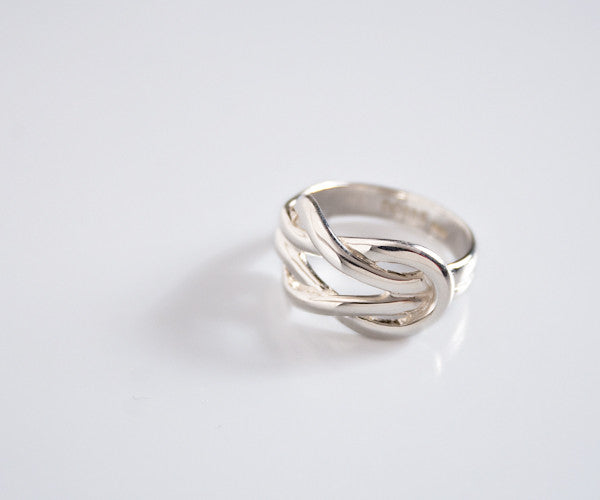 R39 - Sterling Ring Interlocking Weave