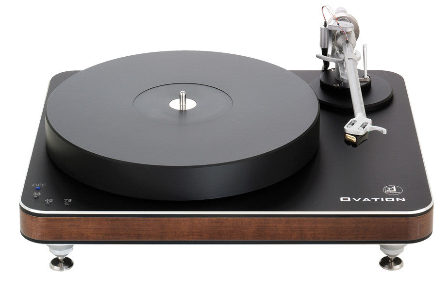 Clearaudio Ovation Turntable with Clarify Carbon Fiber Tonearm