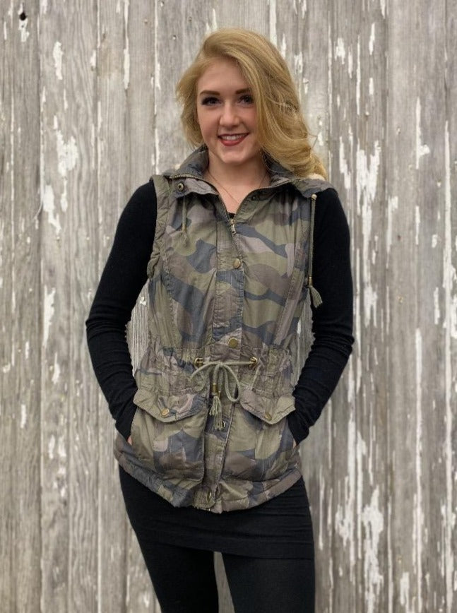 Hooded Button Down Vest with Pockets - Camouflage