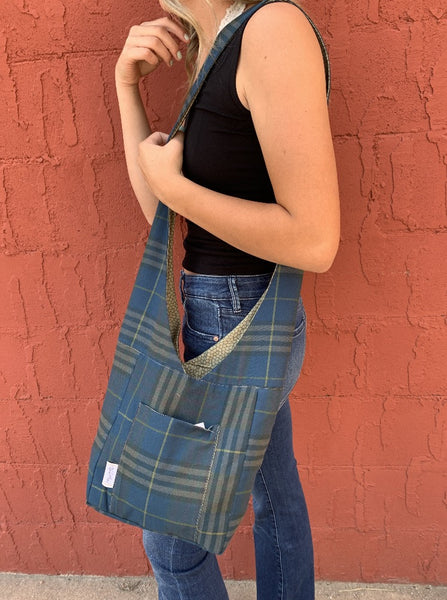 Robin's Reversible/Reusable Fabric Bag - Plaid/Scales