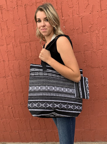 Fabric Tote With Coin Purse - Black & White