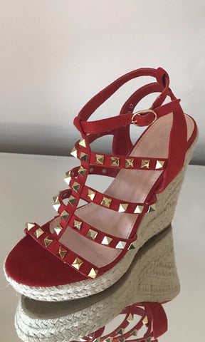 BAILEY RED STUD WEDGES