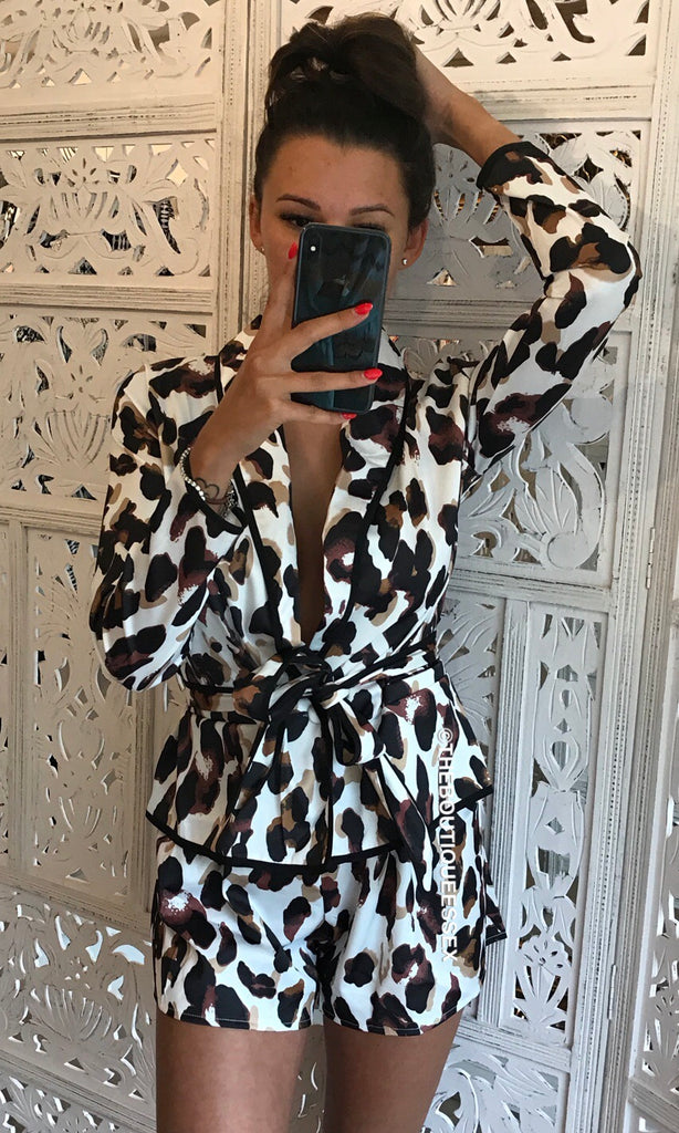 VOGUE WHITE LEOPARD 2 PIECE SET
