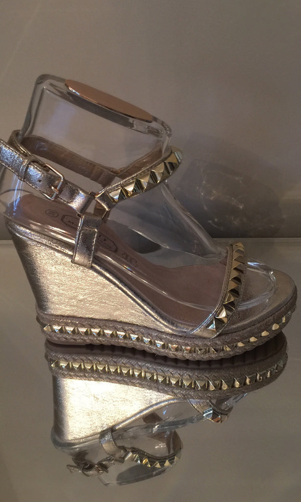 LUCHIA GOLD WEDGES