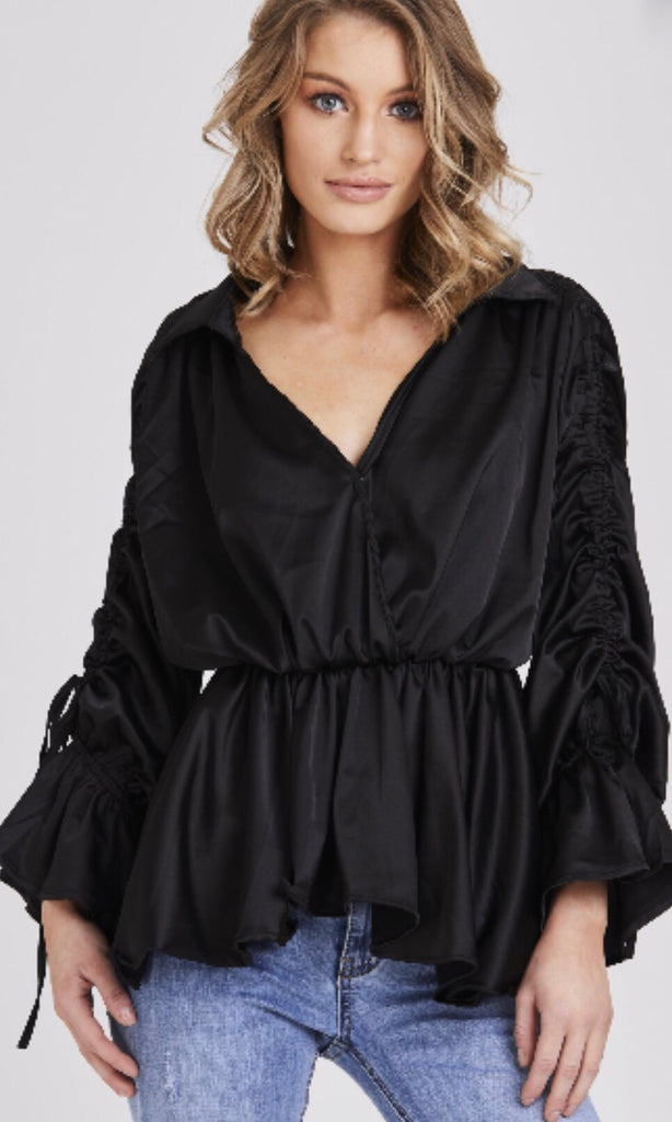 NIKKI BLACK RUCHED SLEEVED TOP
