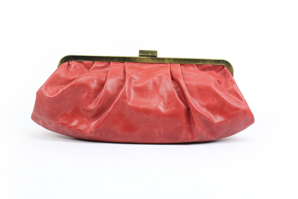 Hamptons Clutch Bag in cherry