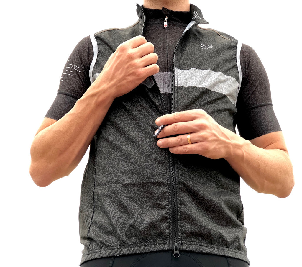 THE GREY STRIPE GILET BLACK